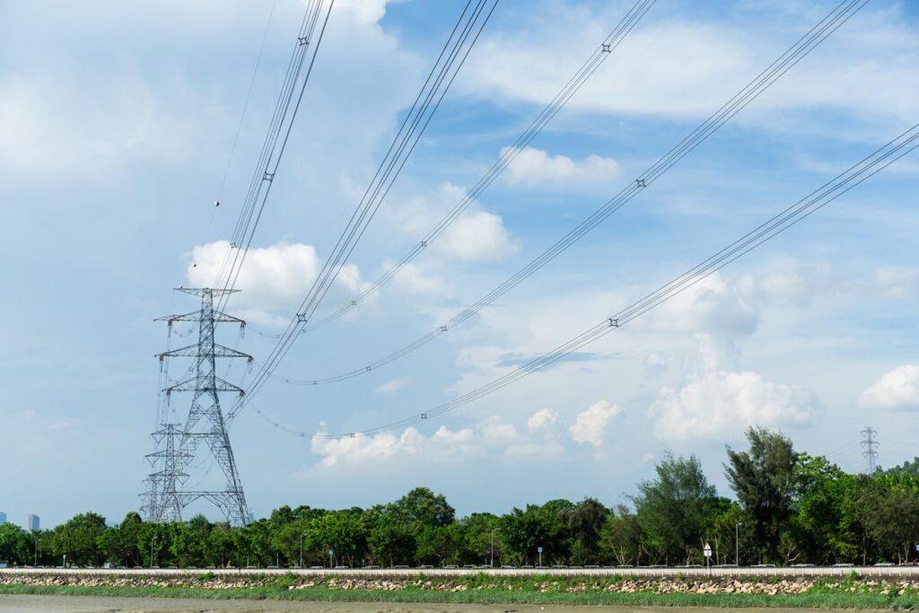 特別高圧についての解説と電気設備の運用について